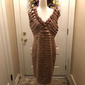 ADRIANNA PAPELL CHAMPAGNE SLEEVELESS DRESS - 14